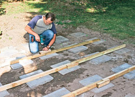 fundament gartenhaus gehwegplatten my blog. Black Bedroom Furniture Sets. Home Design Ideas